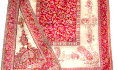 Wholesaler and Exporters of Paisley Wool Shawls, Plain Wool Shawls, Hand-crafted wool shawls, Kani Pashmina Shawls, Kani design wool shawls,