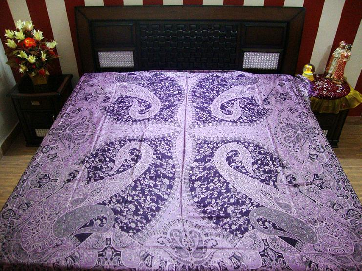 Ganpati Fashions & Girisha Textiles manufacturer and exporters of Designer Bedspreads, Quilt, Blankets, Rugs, Fancy Bed sheets, Wool Silk,